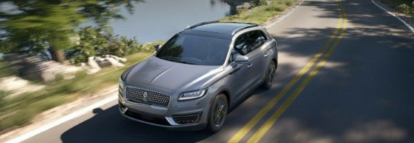 2019 Lincoln Nautilus driving down the road